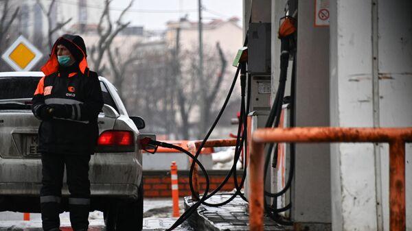 Ъ: в России бензин с начала года подорожал больше, чем за 2020 год