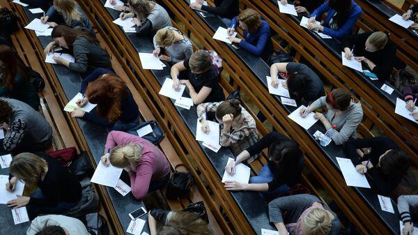 В Минобрнауки ответили на вопрос о вакцинации студентов