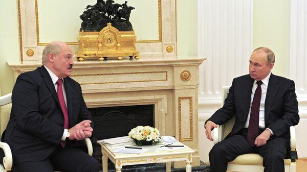 Песков сообщил, когда Белоруссия получит второй транш кредита