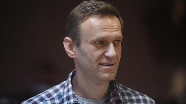 Навальный передал из колонии, что у него все хорошо, заявили в ОНК