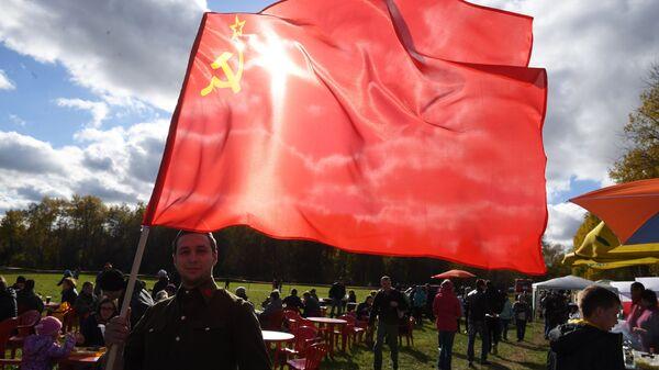 В Каспийске прошел парад в честь Дня Победы