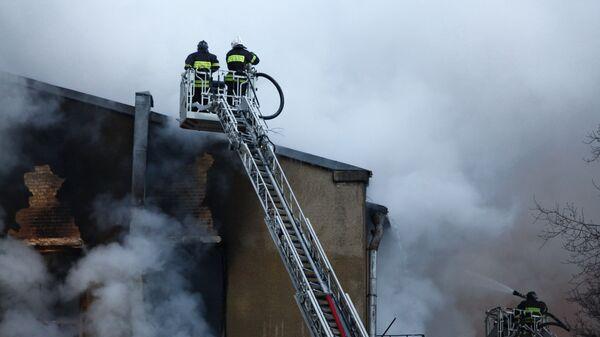 В Каргополе мужчина спас семерых детей из горящего дома