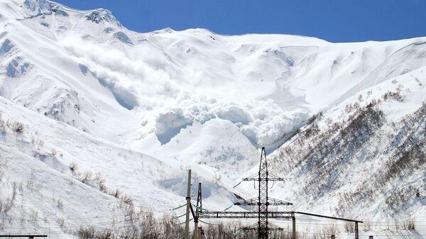 В нескольких районах Камчатки объявили лавинную опасность