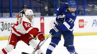 Две передачи Наместникова помогли «Детройту» разгромить «Тампу» в НХЛ