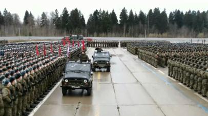 Беспилотник заснял репетицию парада Победы в подмосковном Алабине