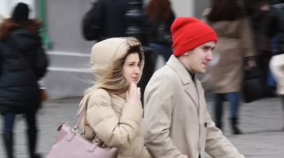 Москвичей предупредили о штормовом ветре и грозе