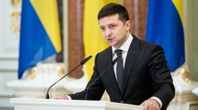 Зеленский поручил ко Дню независимости вакцинировать большинство украинцев