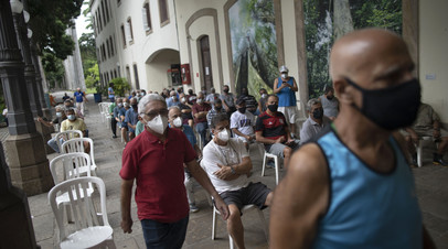 В Бразилии число случаев коронавируса за сутки возросло на 73 295