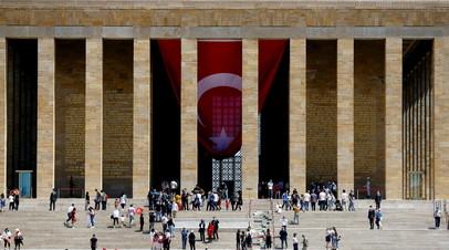 В Турции за сутки выявили 9385 случаев коронавируса