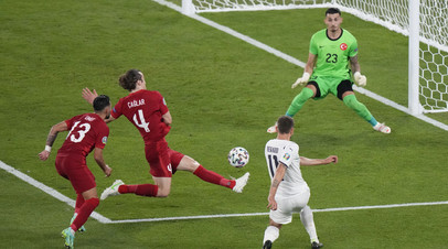 Впервые в истории Евро первым забитым мячом на турнире стал автогол