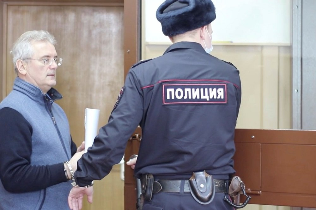 Губернатора Ивана Белозерцева оставили под арестом до 20 мая