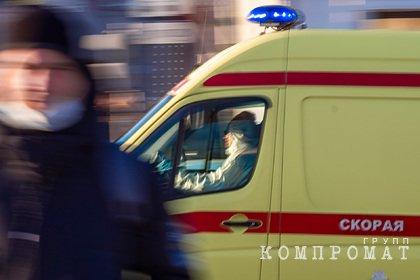 Ангар обрушился на рабочих на территории российской воинской части