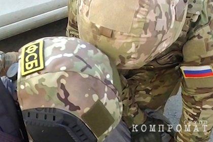 ФСБ задержала подставного офицера спецслужб при получении 10 миллионов рублей