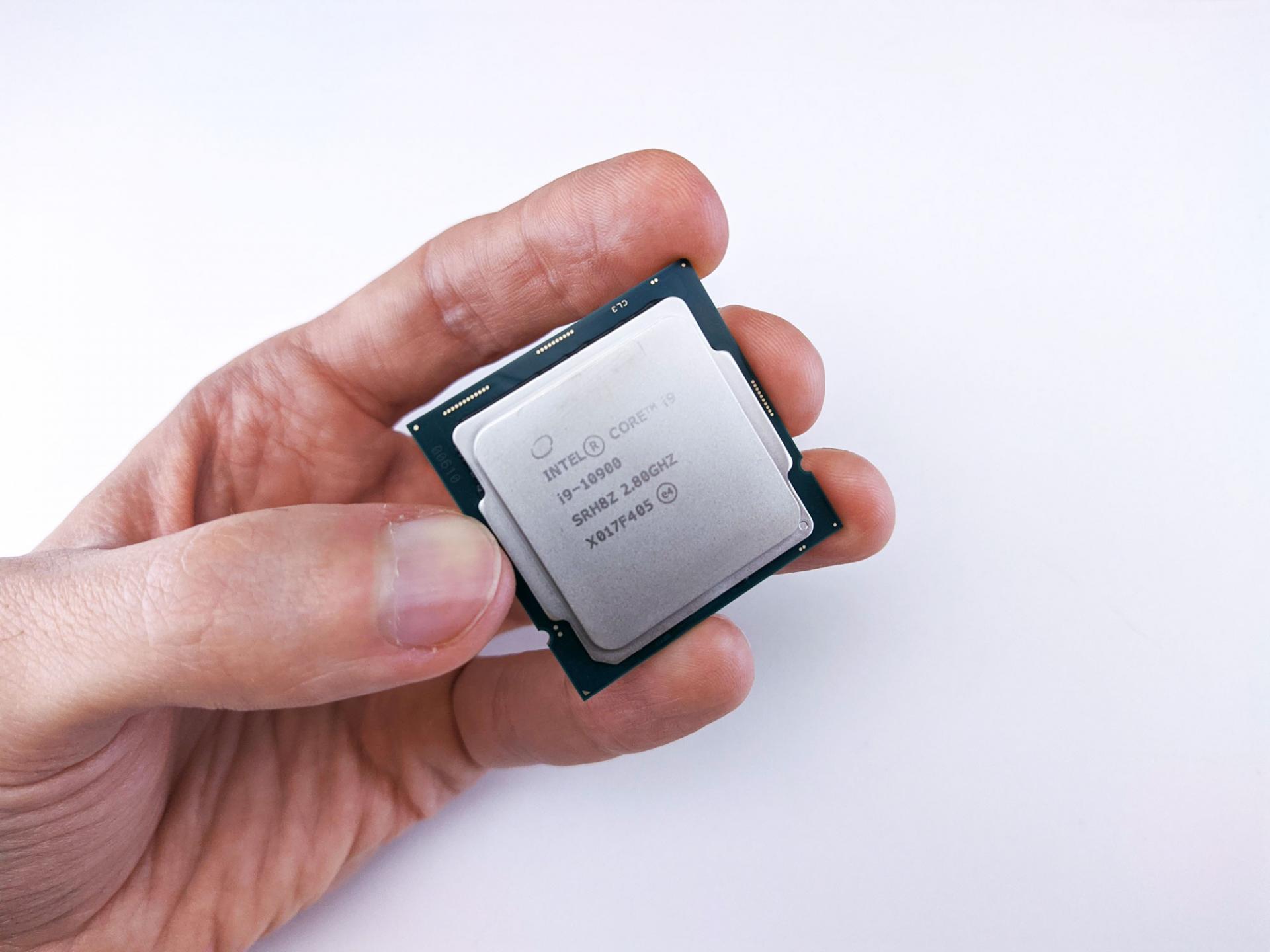 Что по силам Intel Core i9-10900? Пробуем его в 29 играх