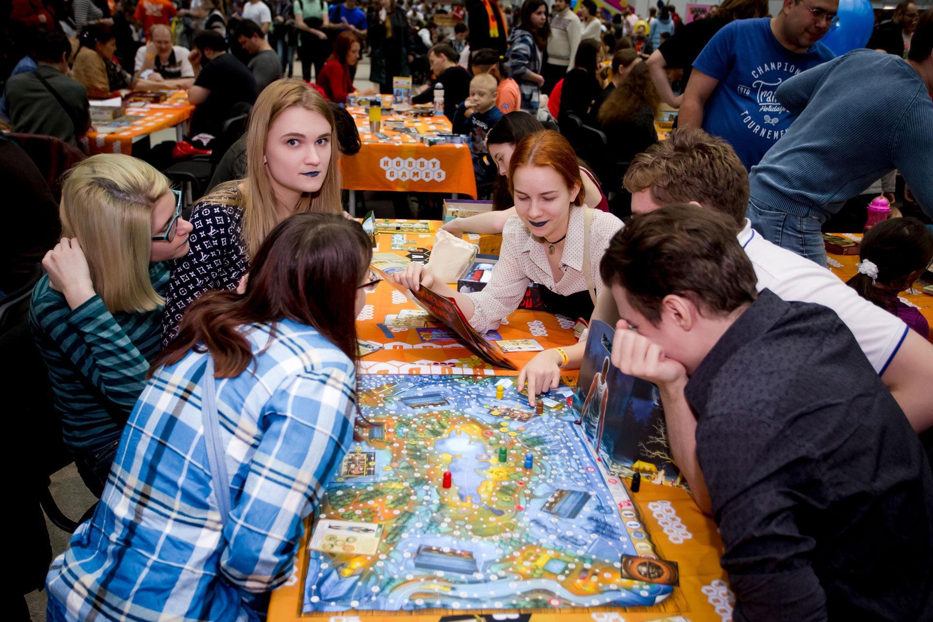 Игры на стол! Отмечаем Международный день настольных игр всей Россией