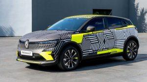 Renault Megane E-Tech Electric или MeganE начнут тестировать в Европе со странным рисунком