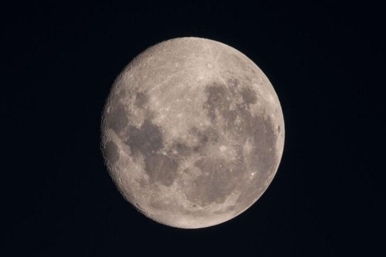 Япония отправит на Луну робота-трансформера. Для чего он нужен?