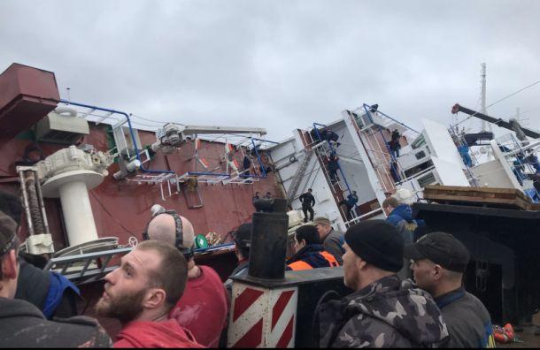 СК возбудил уголовное дело после опрокидывания судна в Ленобласти