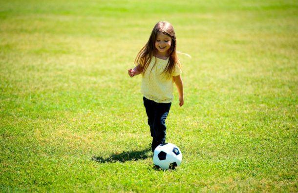'Зенит' будет бесплатно учить девочек играть в футбол