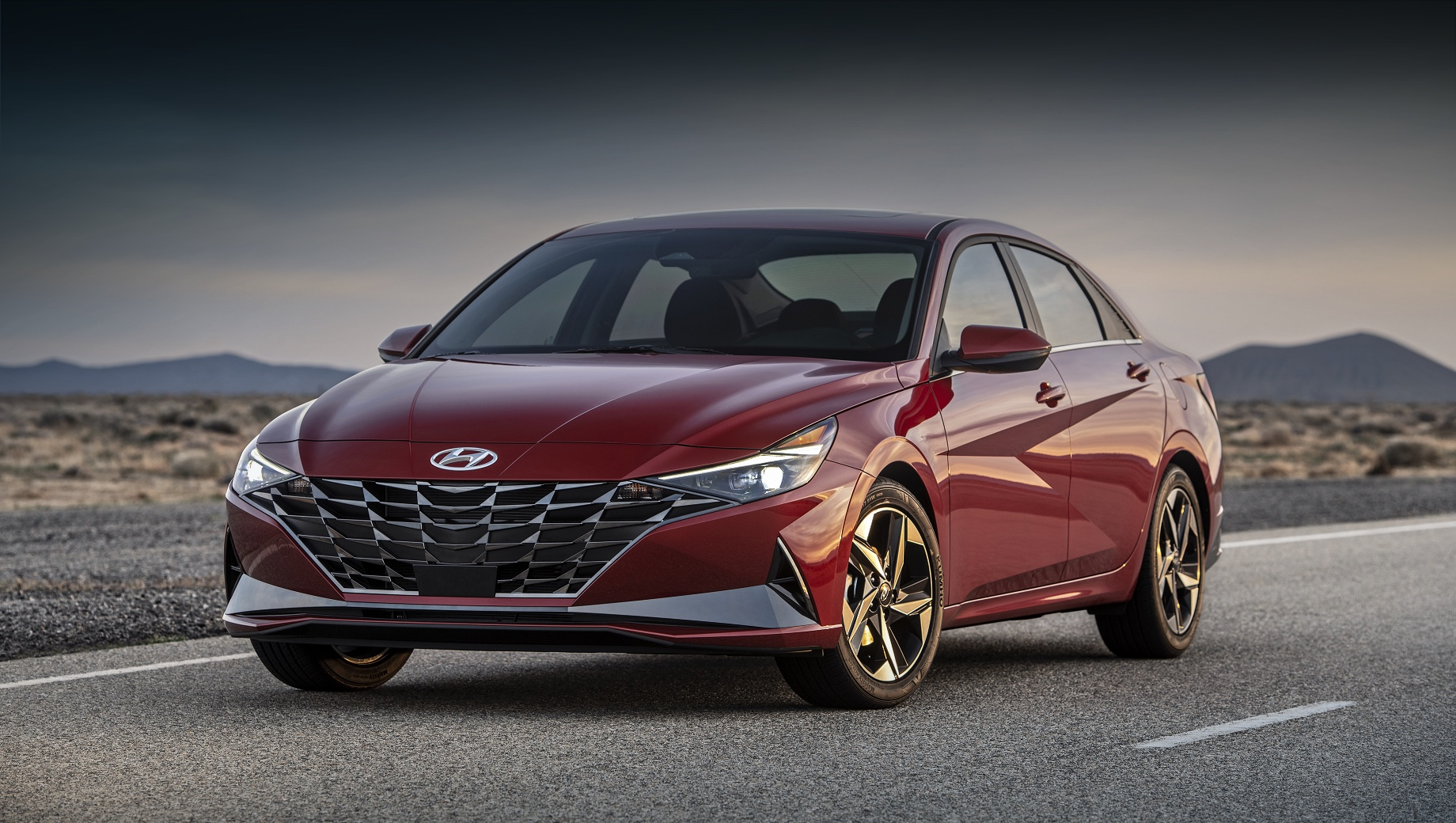 Hyundai Elantra стала «Автомобилем года» в Северной Америке