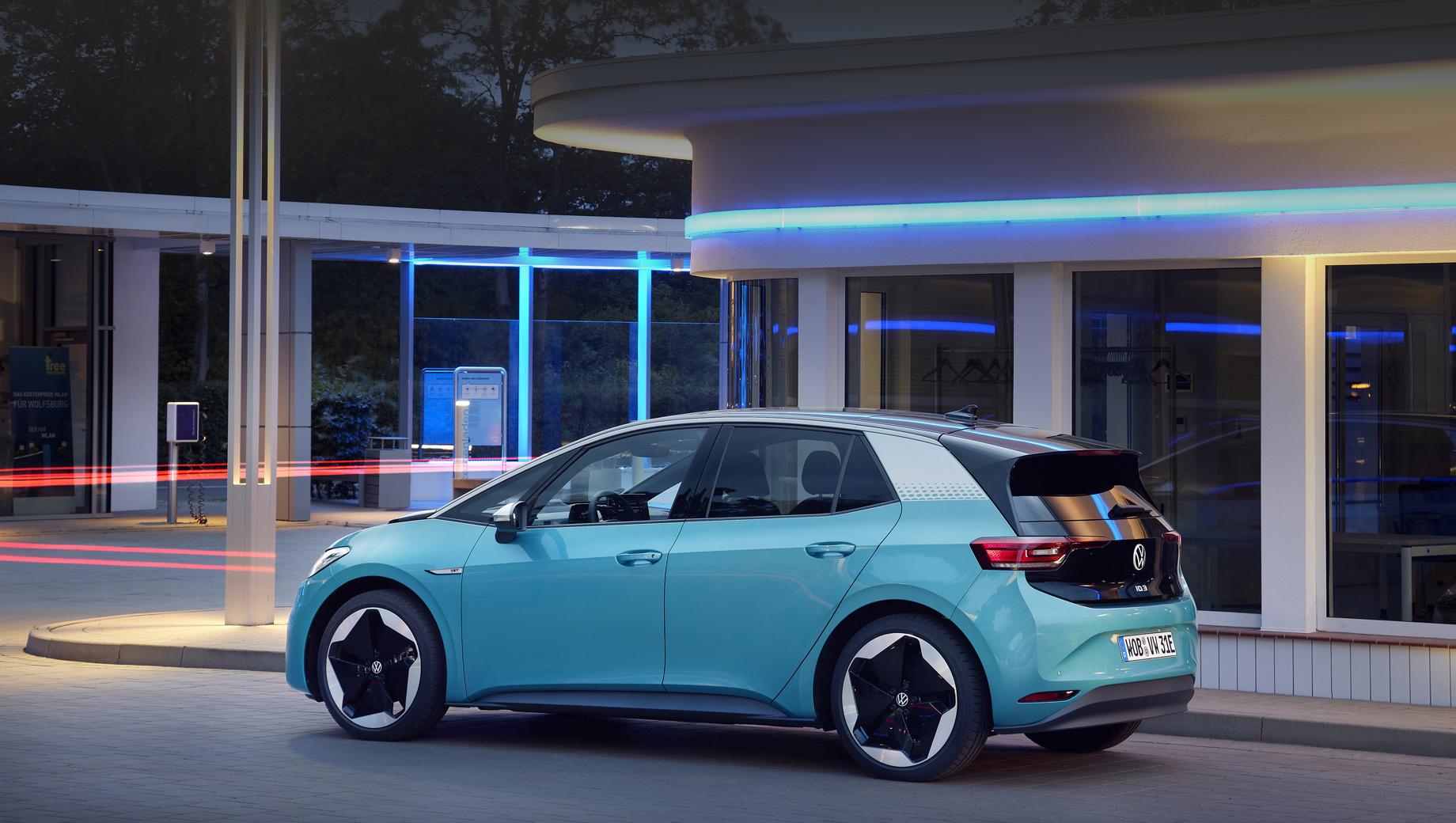 Собратья Volkswagen ID.3 и ID.4 начали обновляться по воздуху