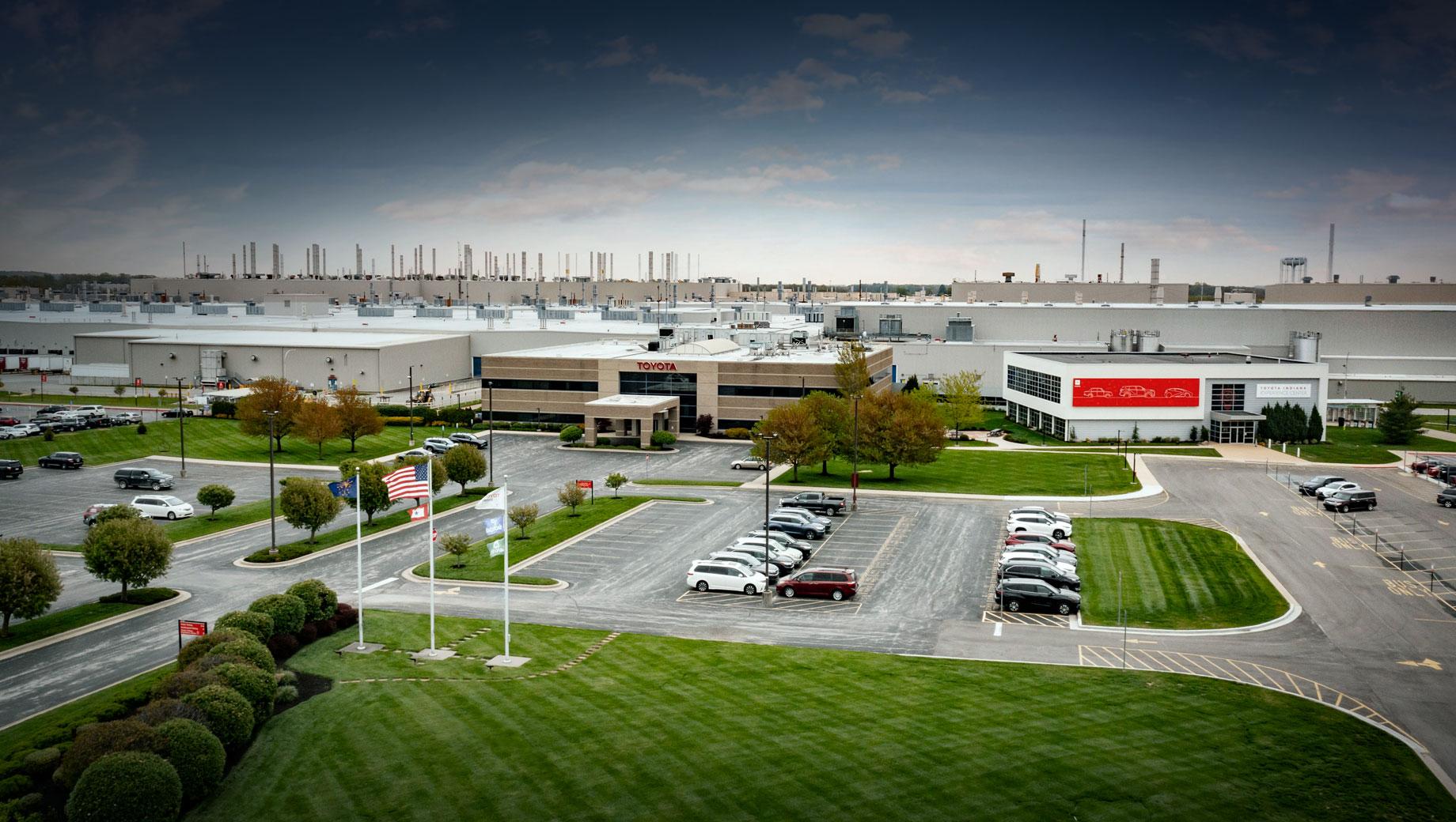 Toyota построит для США два новых трёхрядных кроссовера