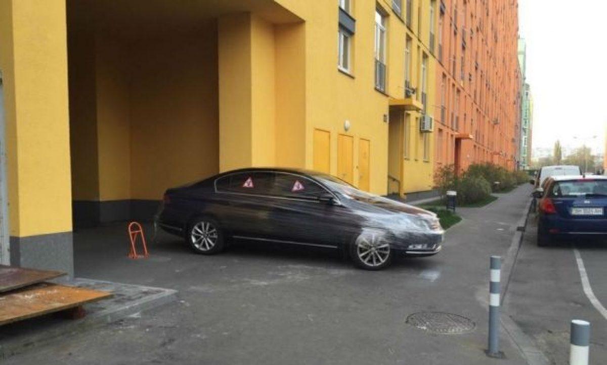 25-35 гривень за час: киевлянам анонсировали введение платы за парковку возле собственного дома