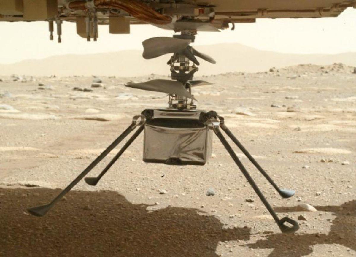 На поверхность Марса установили вертолет-дрон