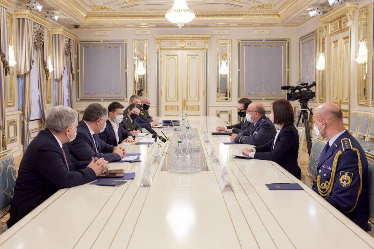 Представитель НАТО призвал Россию вывести войска с территории Украины