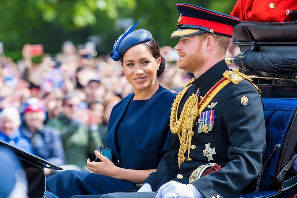 «Меган Маркл не вернется в Британию»: герцогине посоветовали «уйти в тень»