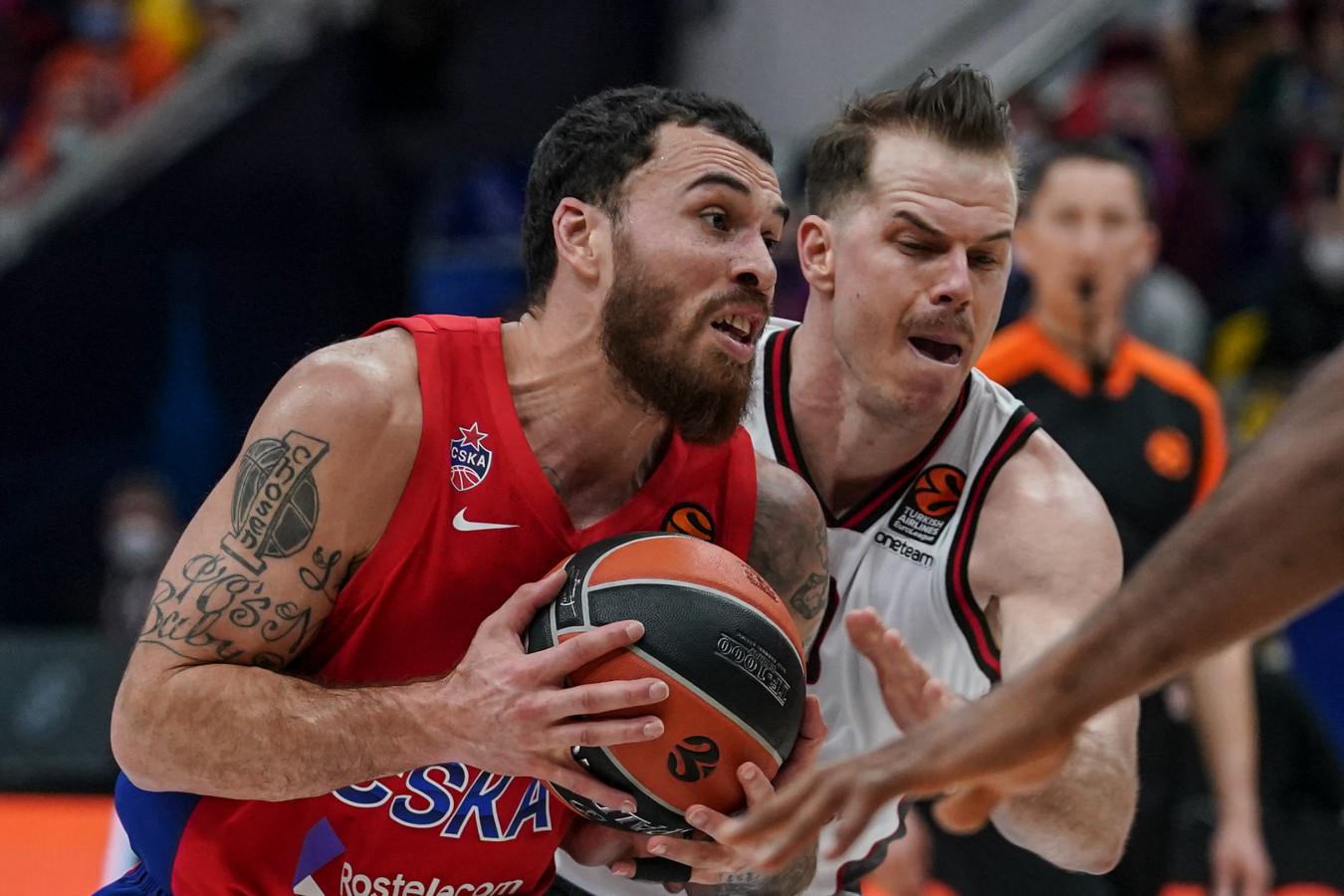 «Майк Джеймс умеет играть!» Баскетболист «Лейкерс» поддержал отстранённого защитника ЦСКА