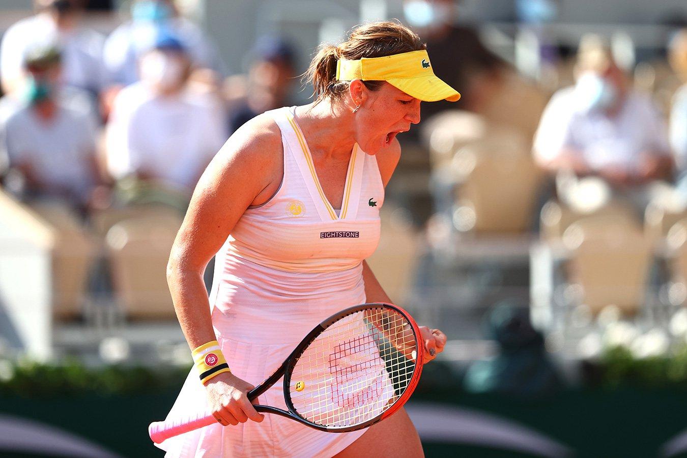 Павлюченкова пробилась в полуфинал «Ролан Гаррос», в упорной битве обыграв Рыбакину