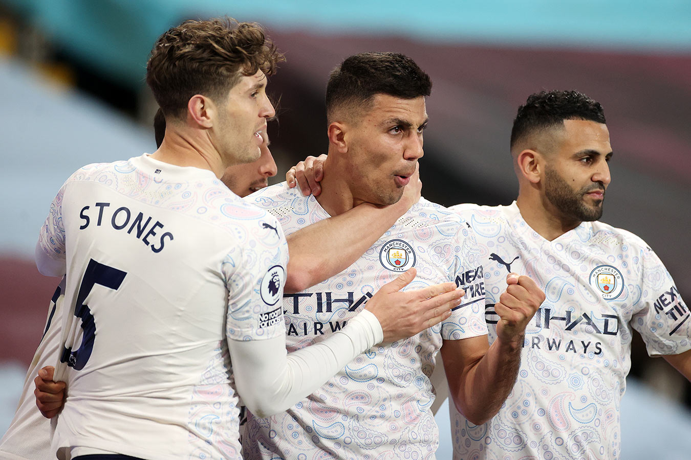 «Манчестер Сити» обыграл «Астон Виллу» и увеличил преимущество над «МЮ» до 11 очков