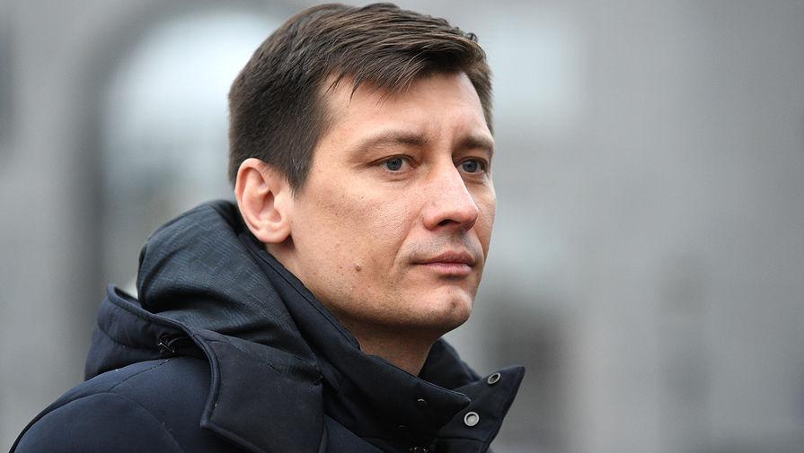 Тетя политика Гудкова задержана по делу о неуплате долга по аренде