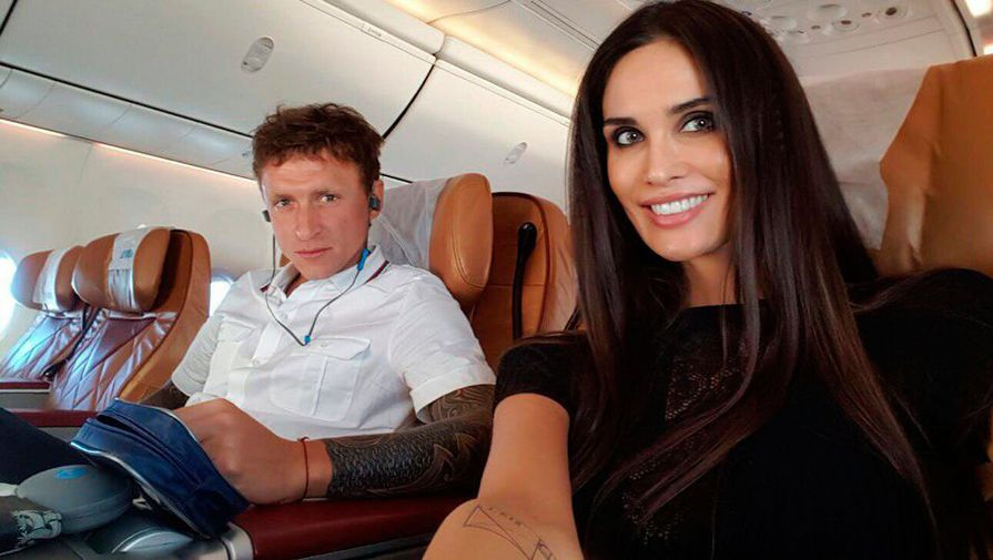 Любовница Мамаева о жене футболиста: она выставляет меня проституткой