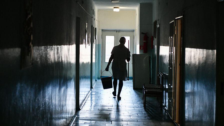 Подозреваемый в тройном убийстве в сквере Екатеринбурга скончался в больнице