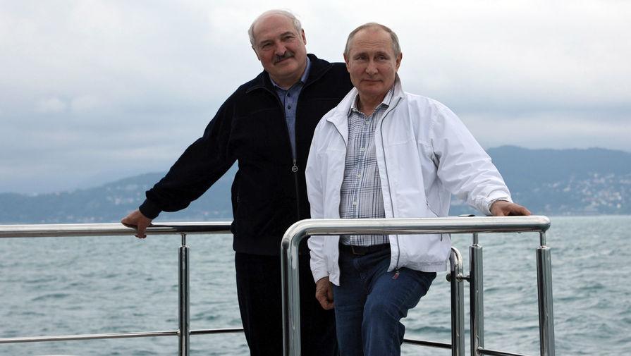 В Кремле не знают, почему Путин отказался купаться с Лукашенко