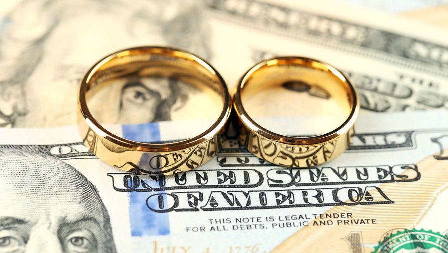 В Великобритании школьные возлюбленные поженились спустя 22 года разлуки