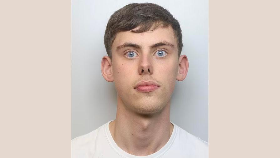 'Удивленный' британец прославился после побега от полиции на скорости 240 км/ч
