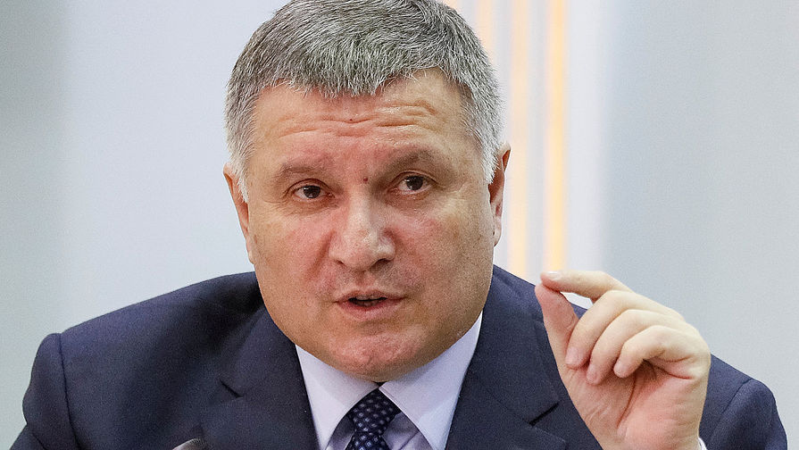 Украинский министр назвал себя ангелом в ответ на обвинения, что он черт