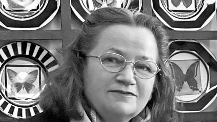 Умерла художница Галина Шуляк, придумавшая декор сервиза 'Кобальтовая клетка'