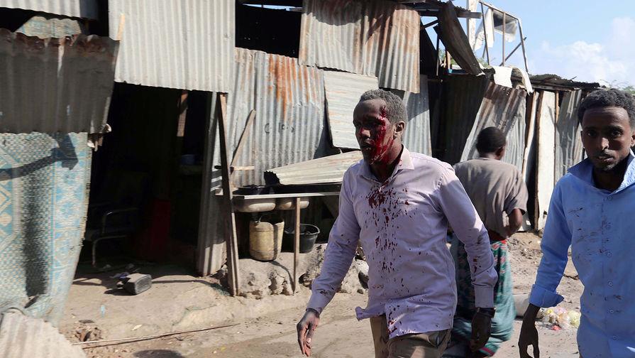 При взрыве в Сомали погибли минимум 20 человек