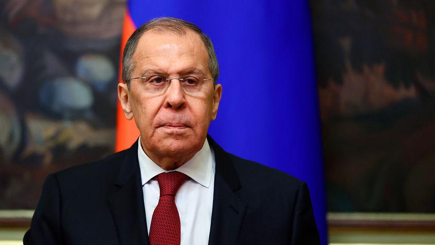 Лавров заявил, что Россия делает выводы из угроз отключить страну от SWIFT