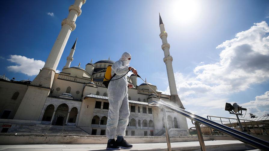 Эксперт считает, что локдаун в Турции связан с приостановкой полетов РФ