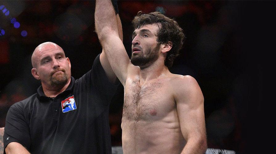 Менеджер бойца Магомедшарипова не исключил, что спортсмен завершит карьеру
