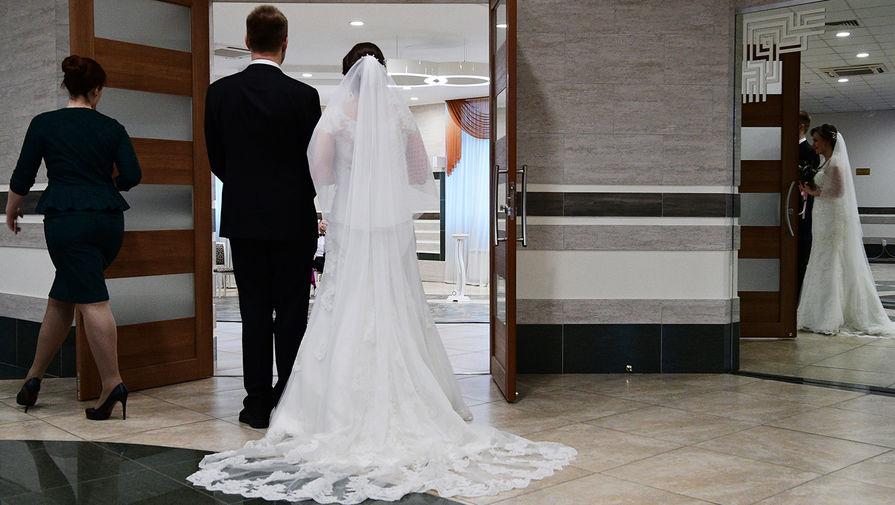 В России заключили рекордное число брачных договоров в пандемию