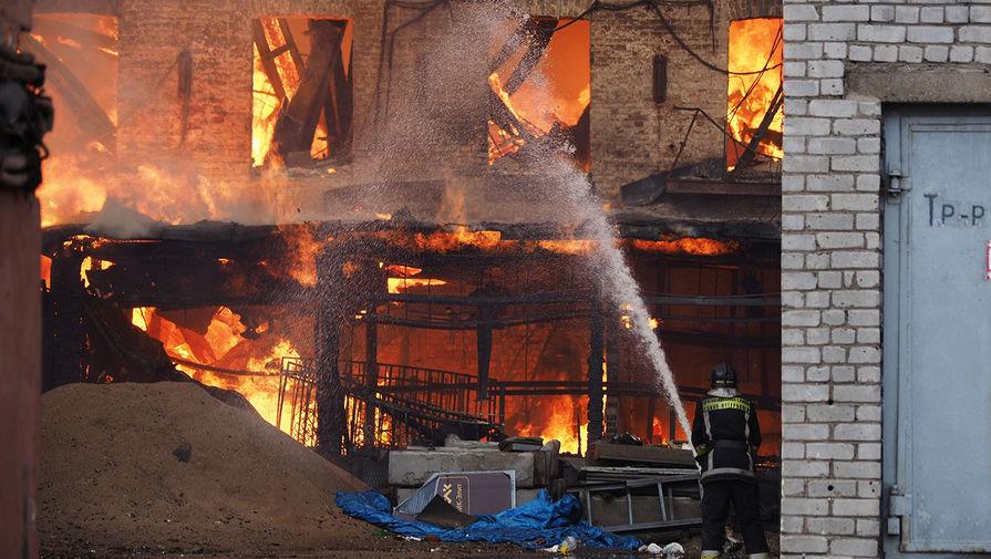 Пожар в 'Невской мануфактуре' локализован