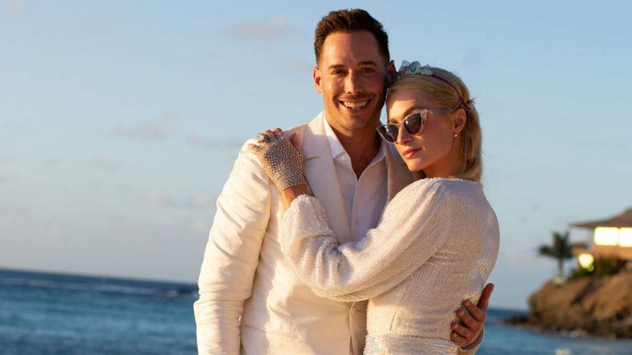 Пэрис Хилтон объявила о своей помолвке