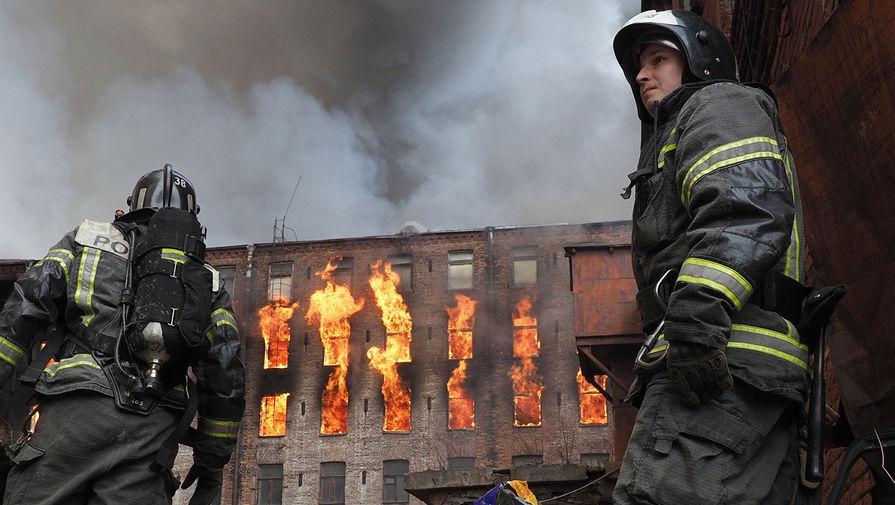 МЧС опровергло данные о гибели второго сотрудника при пожаре в 'Невской мануфактуре'