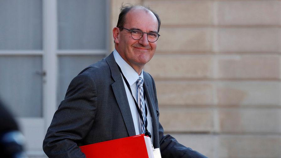 Премьер Франции назвал нападение на полицейскую терактом